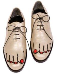 comme-des-garcons-bare-feet